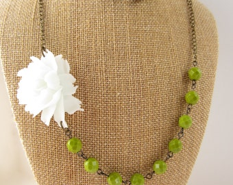 Flower Necklace Green Necklace Bridesmaid Jewelry Set White Rose Green Wedding Jewelry Statement Necklace Garden Wedding Bridesmaid Necklace