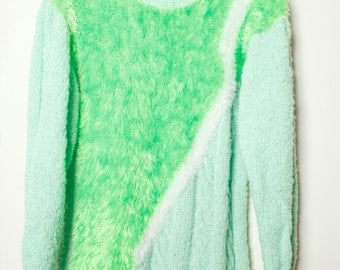 Vintage Crazy Cool 80s/90s Handmade Green and White Pastel Long Sleeve Fuzzy Funky Pullover Sweater Unisex
