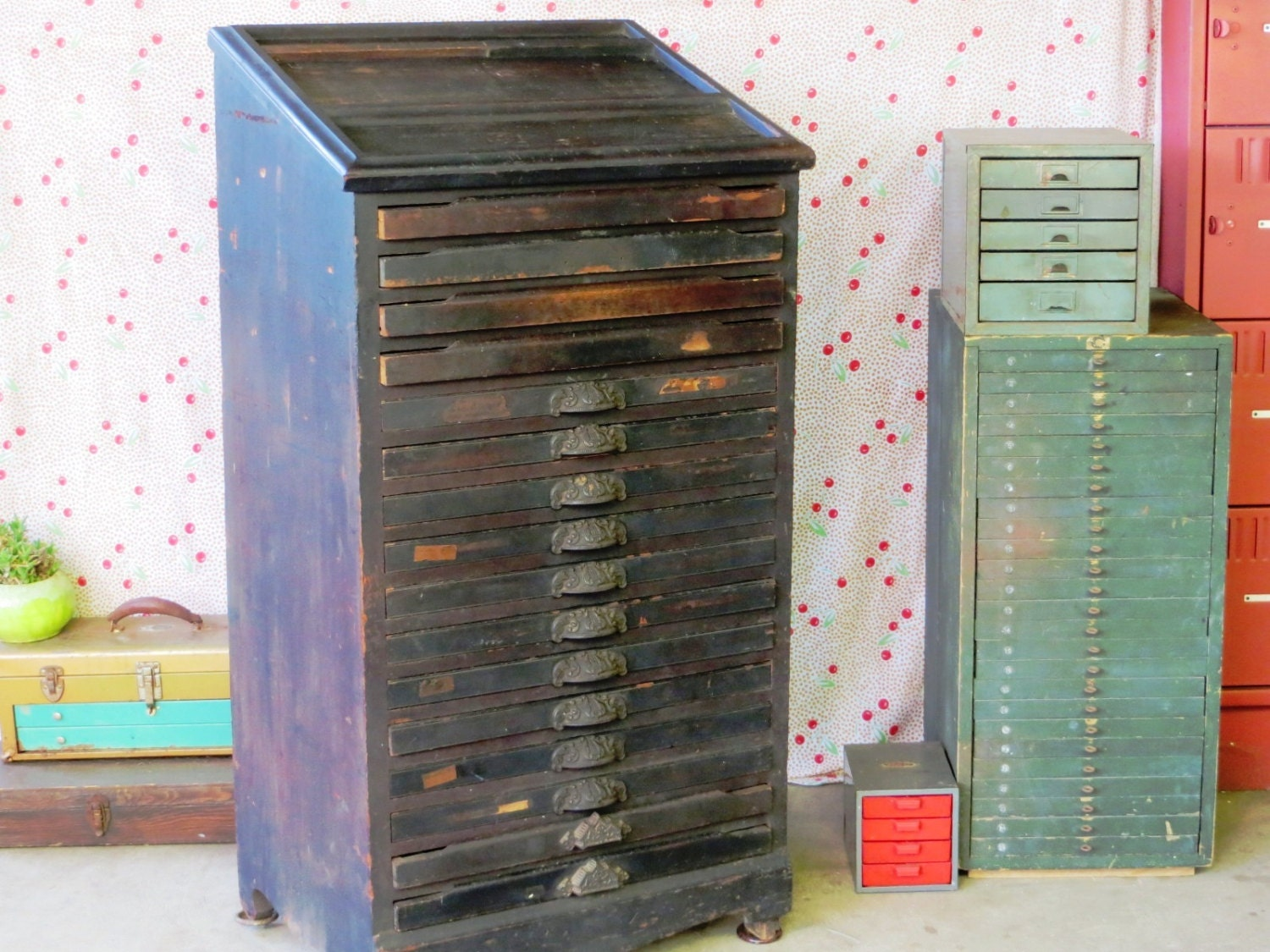 🔎zoom - Antique Wooden Letterpress Printing Type Cabinet: 16 Drawer