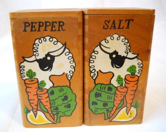 Wooden Salt and Pepper Shakers - vintage, collectible, kitchen, serving