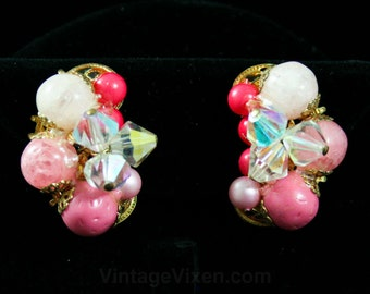 60s Coral Pink & Orange Earrings - Summer Late 1950s Clip Style Cluster Earrings - Crackle Glass Beads - Art Collage Jewelry - 42414