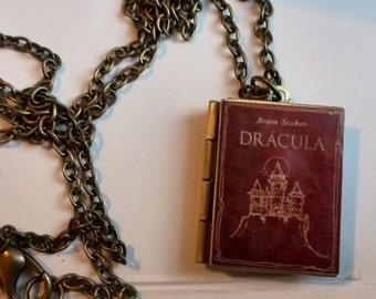 Bram Stoker Dracula Vintage Book,Locket Pendant with an antique chain Handmade