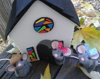 Church Mice Finger Puppets and Church / Quite Play/puppet theater/ Christmas/ playtime/ preschool/