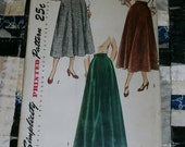 "1940s Vintage Simplicity Pattern 2666 Misses Skirt in Two Lengths, size Waist 34"", Hip 43"", Uncut"
