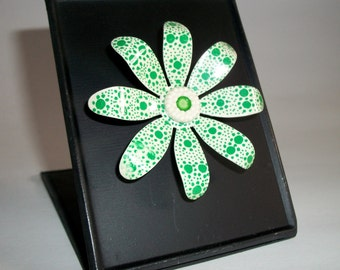 My RePurposed UpCycled Magnets From 1960s Flower Power Brooch Pins 24