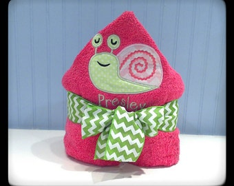 Personalized Hooded Towel - Sweet Snail
