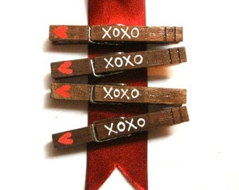 XOXO PAINTED CLOTHESPINS magnetic heart pegs