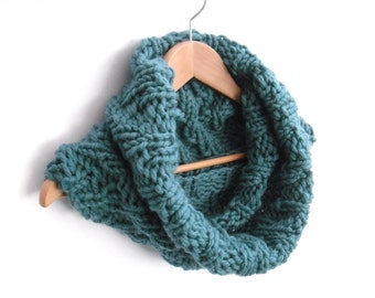Cowl Scarf , Large Blue Chevron Snood  , reversible cowl , hand knit 100% wool , winter chunky cowl  , winter accessory , gift for her