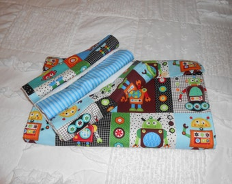 robot changing pad with 3 burp cloths