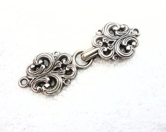 Norwegian Sweater Clasps Pewter Frogs / Antiqued Silver Color Clasp ONE SET Hook and Eye Closures Scandinavian / Nordic Style, Lot No. 12