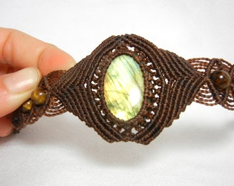 Labradorite Bracelet in Dark Brown Macrame