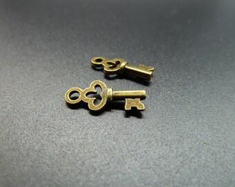 50pcs 8x16mm Antique Bronze Mini Flower  key Charm Pendant c3596