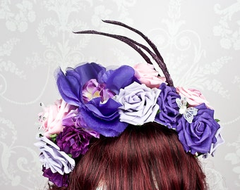 Flower crown in your choice of colour with complimenting butterflies, glittery leaves or feathers. Made to order