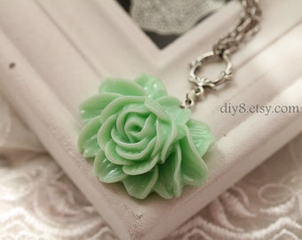 Pretty retro  Green  rose resin flower necklace pendant jewelry vintage style- Bridesmaid gifts- length 70cm  0109-1