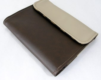 Vegan iPad Sleeve Tasca, Brown vinyl iPad case