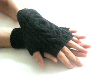 Little BLACK   Fingerless Gloves