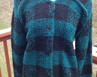 1980s buffalo plaid jacket in teal blue and black wool blend. Warm and cozy nubby outerwear for chilly dally and winter days in size medium