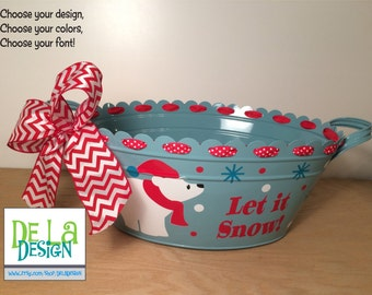 Personalized Winter / Christmas scalloped oval metal bucket, tub, Aqua blue with Polar bear and name or saying for drink tub or table basket