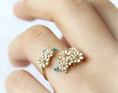 Wild Flowers Ring / Flower ring, adjustable ring, Choose your color, white, pink, mint