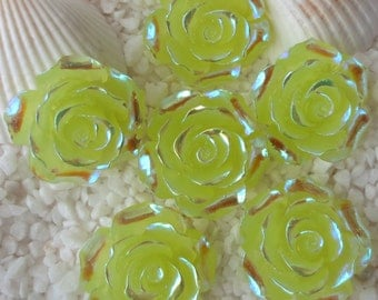 Resin Stunning AB Flower Cabochon - 20 mm - 12 pcs - Translucent Yellow/Green