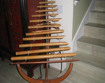 Reduced - Vietnamese T'Rung with 13 tubes - Standing Xylophone - Vintage percussion from Vietnam - Musical instruments collector