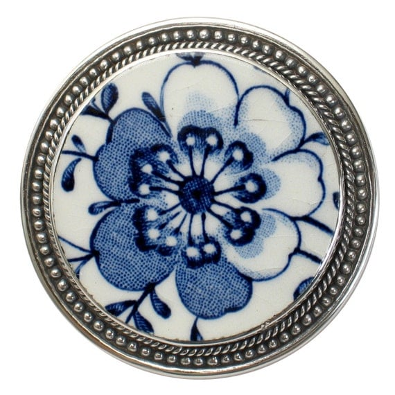 Broken China Jewelry Johnson Bros Indies Blue White Flower Sterling Brooch Pin Pendant