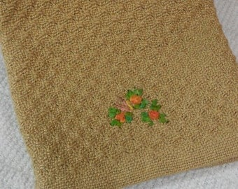 E611 OOAK Handwoven Swedish Lace Table Linen or Table Runner