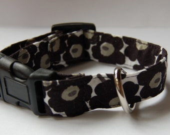 Marimekko very Mini Unikko black poppy floral collar for small dog , puppy or cat , Finland,  fabric design by Maija Isola