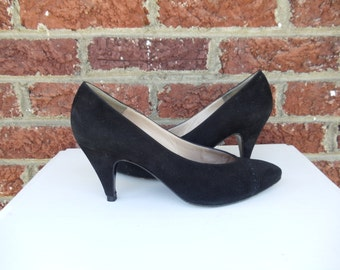 Classic Black Suede Bruno Magli Pumps - Made in Italy - Retro Spectator Fall Winter Heels - Mad Men - 7.5