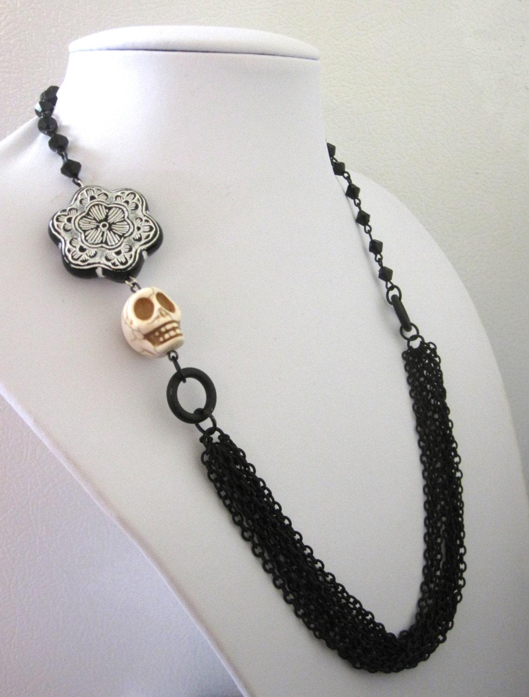 day of the dead necklace sugar skull jewelry black white chain