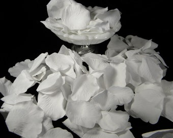 200 White Rose Petals Bulk - Silk White Wedding Ceremony Petals - Flower Girl Basket Petals - Bridal Shower Decoration - Table Scatter