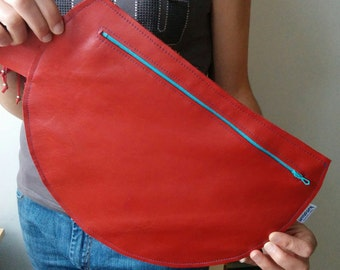 Leather clutch, red clutch, leather bag, red leather purse, red leather bag, zippered clutch, zippered bag, circle clutch, circle bag