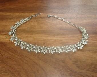 vintage necklace silvertone leaves