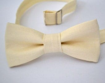 Bowtie Boys Ages 2-10 in Ivory
