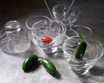 Four Cup Serving Set