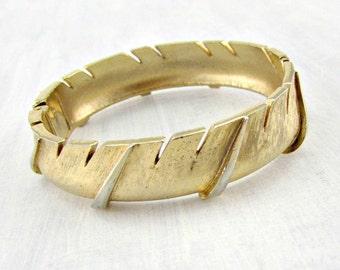 Vintage CROWN TRIFARI Bracelet, Hinged Gold Feather Bracelet, Clamper Bracelet,  1960s Vintage Costume Jewelry, High End Designer Jewelry