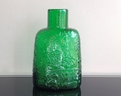 Nuutajarvi Notsjo Finland Fauna Green Glass Bottle Designed by Oiva Toikka