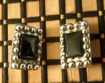 Vintage1970 Black Glass silver/metal Earrings Clip back
