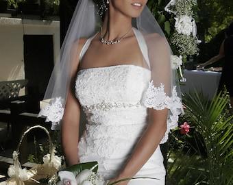 Beatrice Waltz Bridal Veil Lace Edging
