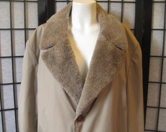Vintage 1960s 1970s Zero King Trench Storm Coat Stormcoat Taupe Brown Khaki Faux Shearling Fur Lining Unisex 46 48 M L Large Topcoat