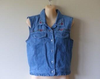 90s Crop Top Denim Shirt Vest Soft Grunge Festival  / Sleeveless Cropped / 1990s Button Down / Denim Button Up / Jeans Shirt / Floral / S M