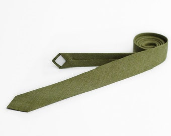 Green tie, skinny necktie, moss