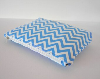 Woman's protective beauty cosmetics bag padded make up pouch Modern zig zag chevron print in sky blue and white in large.