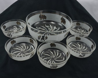 Mid Century Cerve Serving Bowl Set Gold Trimmed Leaves