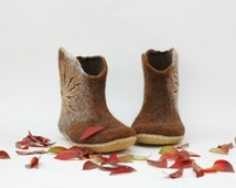 Felted shoes Ankle boots Women booties Handmade shoes Home shoes Women winter boots Brown booties Valenki Natural wool Organic wool