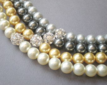 CHIC Pearl Bridal Necklace.. Large Pearl - Rhinestone Focal Bead.. Evening Wear- Wedding- Prom