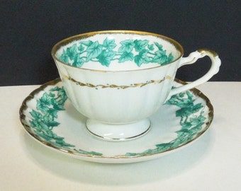 Vintage green ivy tea cup and saucer with gold trim - Green leaf teacup and saucer - Green leafy tea cup