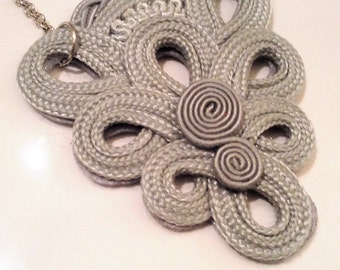 Gray necklace, woman gift, holiday, elegant, collana donna, idea regalo, collana grigia, medaglione, long necklace, cool