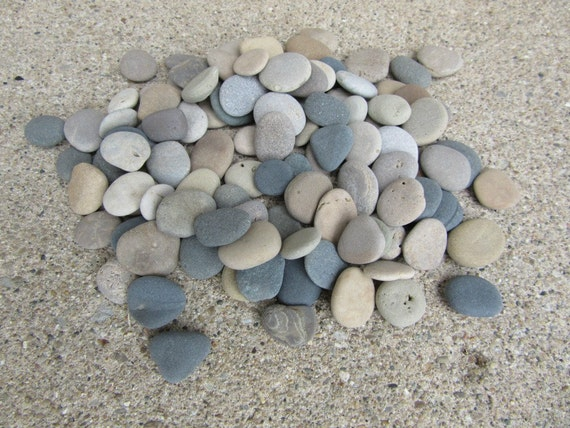 100 select smooth flat beach stones lake michigan mosaic craft for Flat stones for crafts