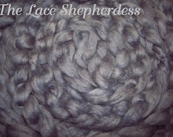 """Hand dyed Coopworth Wool Pin Draft Roving. 8.2 oz. """"Heavenly Lavender"""""""